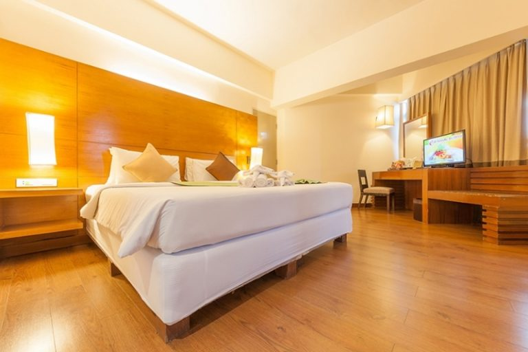 The Seasons Pattaya : Executive Deluxe Room
